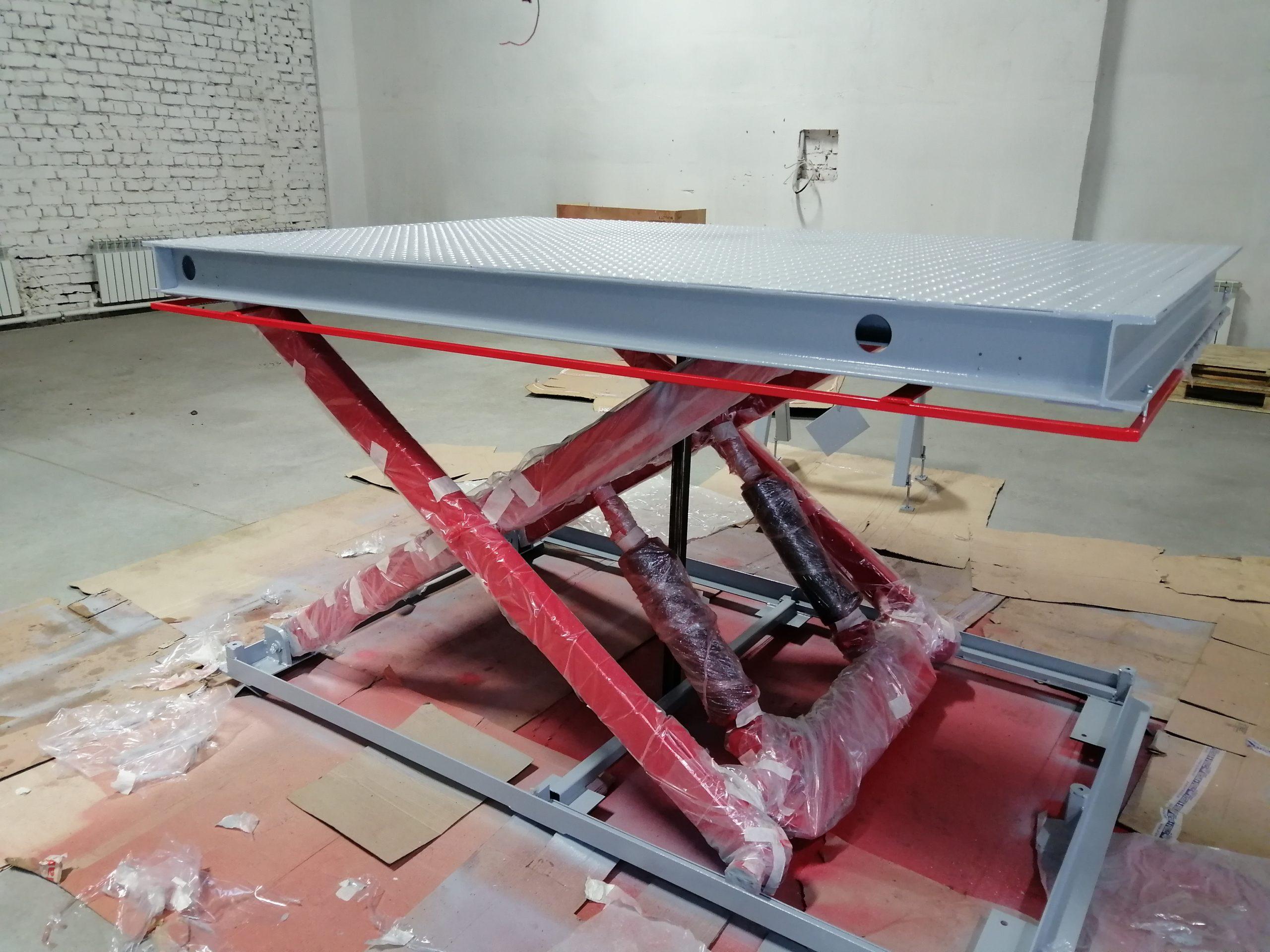 Одноножничный гидравлический подъемник на 1,5 тонны